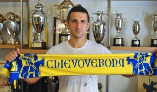 Gamberini firma con il Chievo