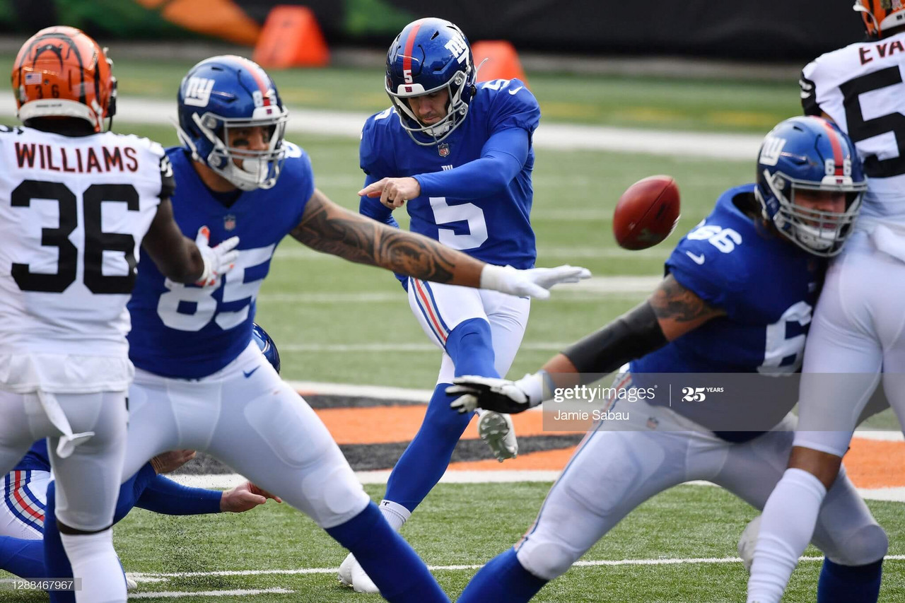 CINCINNATI, OHIO - NOVEMBER 29: Graham Gano #5 of the New York Giants kicks a 49-yard field goal during the first half against the Cincinnati Bengals at Paul Brown Stadium on November 29, 2020 in Cincinnati, Ohio. (Photo by Jamie Sabau/Getty Images)