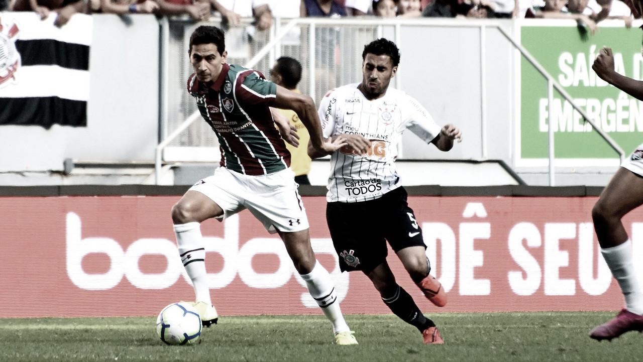 Com falha de Cássio, Fluminense bate Corinthians e sai da zona de rebaixamento do Brasileirão