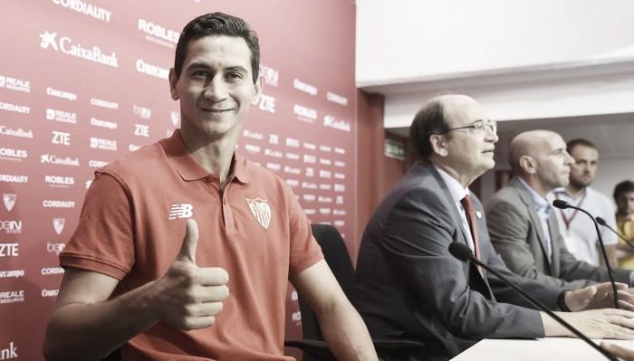Ganso é apresentado no Sevilla, revela conversa com Sampaoli e planeja títulos