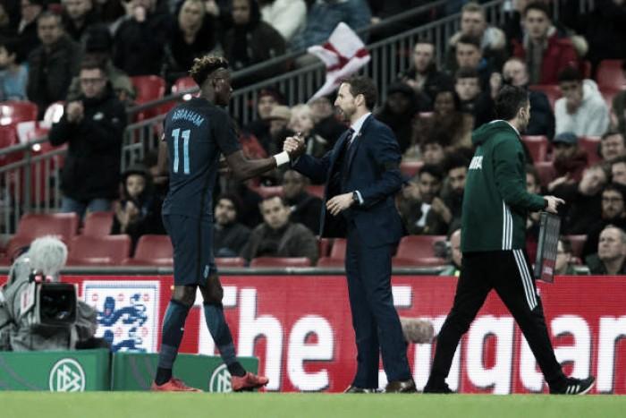 """Southgate elogia desempenho dos jovens da Inglaterra diante da Alemanha: """"Foi muito positivo"""""""