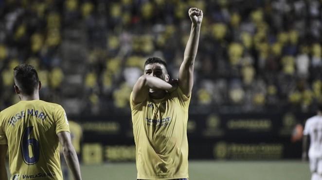 Garrido celebra un gol en Carranza / Cádiz CF