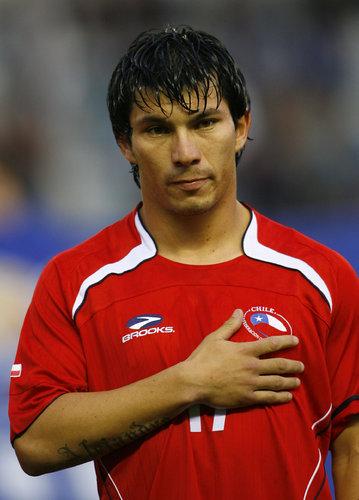 Medel, convocado por Chile