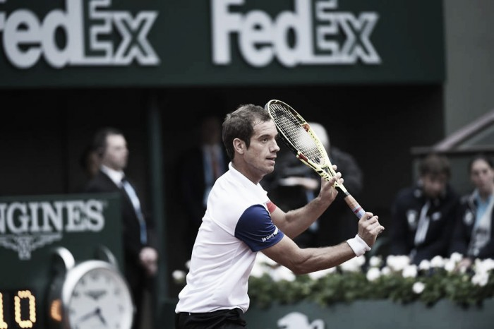 Roland Garros, Gasquet si esalta e batte Nishikori. Fuori Raonic
