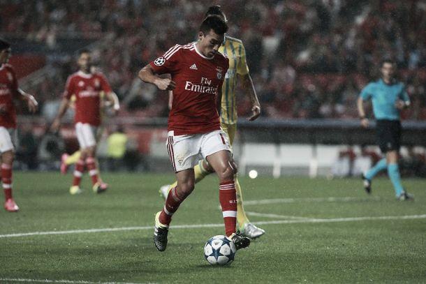Com golos de Gaitán e Mitroglou, Benfica cumpre obrigação e bate Astana