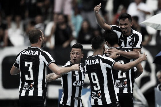 Gatito salva no fim, Botafogo bate Corinthians e mantém distância do Z-4 do Brasileirão
