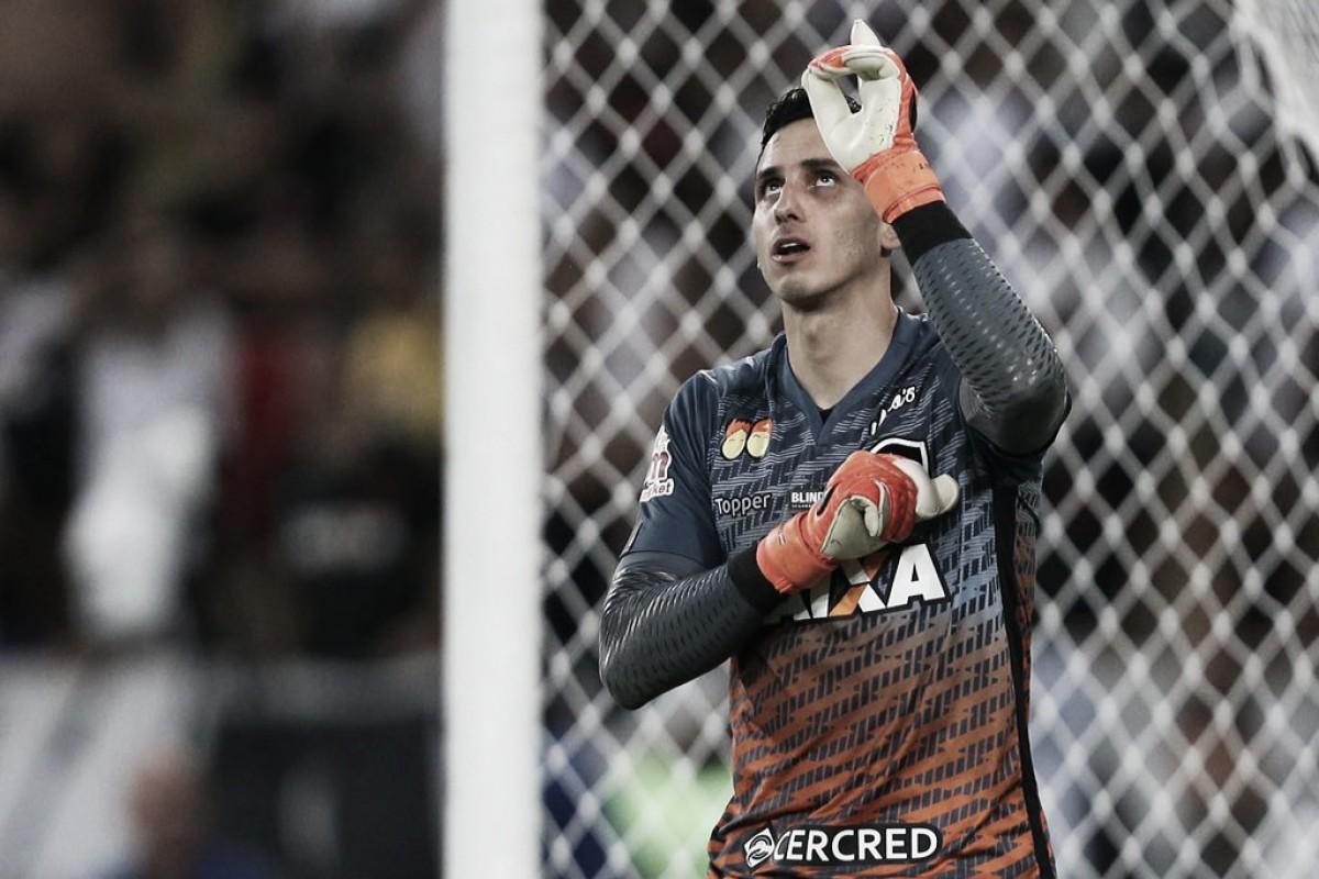 """Depois de defender dois em título do Botafogo, Gatito revela: """"Queria pegar mais"""""""