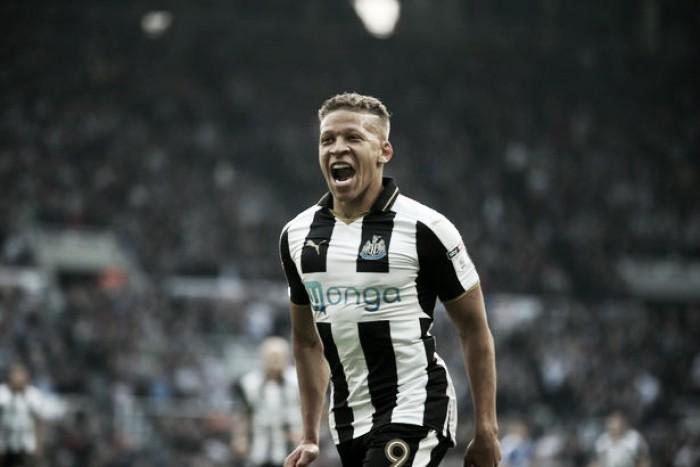 Gayle hace historia con el Newcastle United