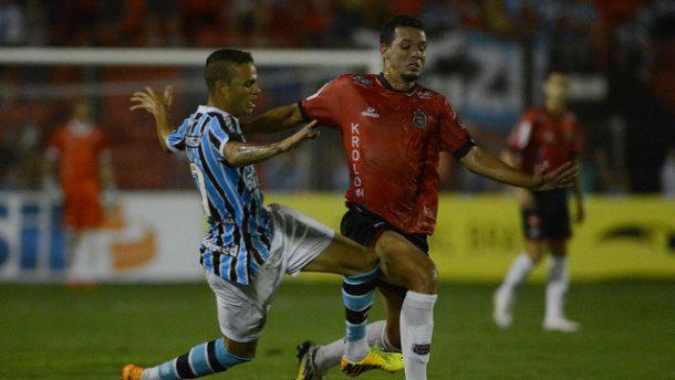 Em Pelotas, Grêmio empata com o Brasil