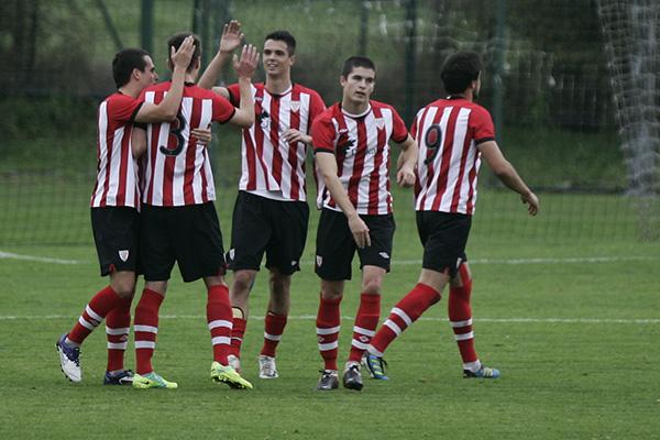 El Bilbao Athletic se impone a la Real B en Lezama