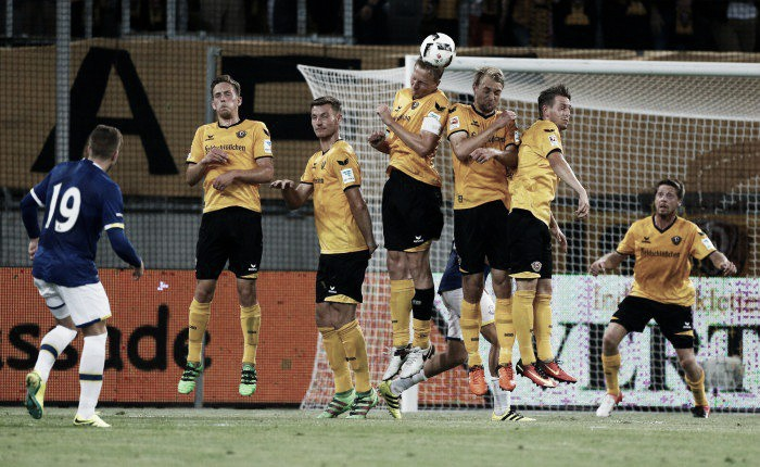 Dynamo Dresden 2-1 Everton: Hosts hold firm to defeat Everton