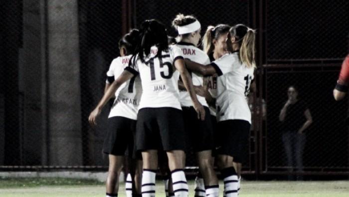 Copa do Brasil feminina: Santos e Corinthians atropelam na estreia