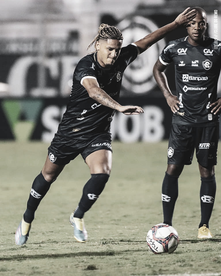 Próximo dos 50 jogos no Remo, Felipe Gedoz mira evolução do clube na Série B