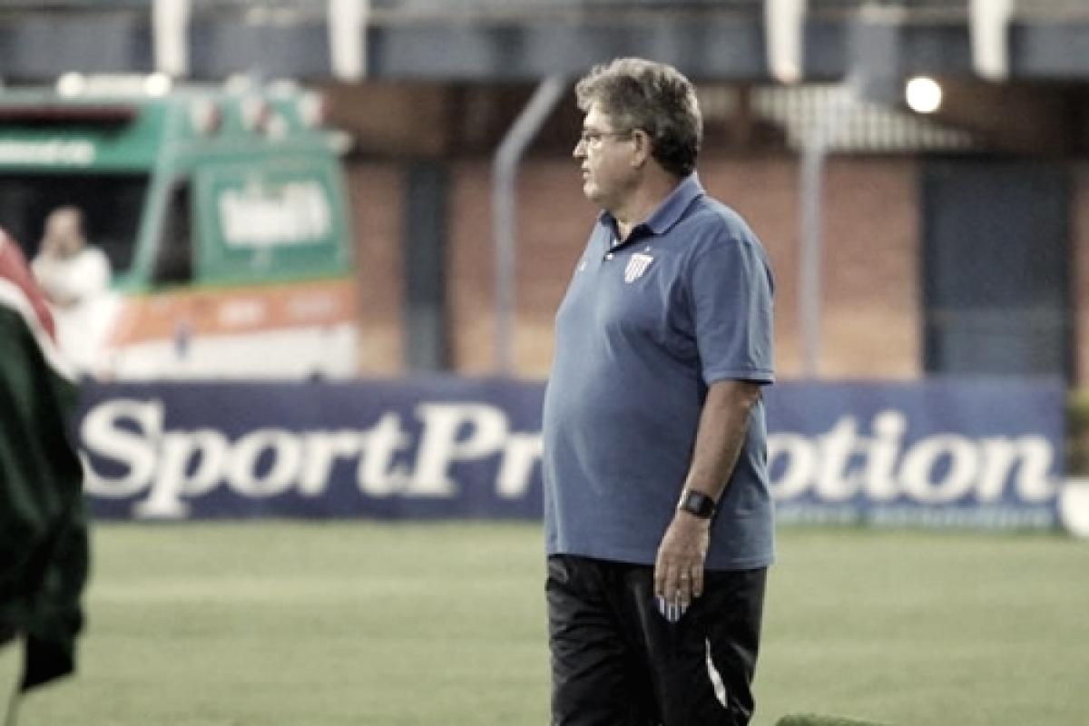 """Apesar do empate, Geninho elogia postura do Avaí diante do CSA:""""Não pode fazer loucura"""""""