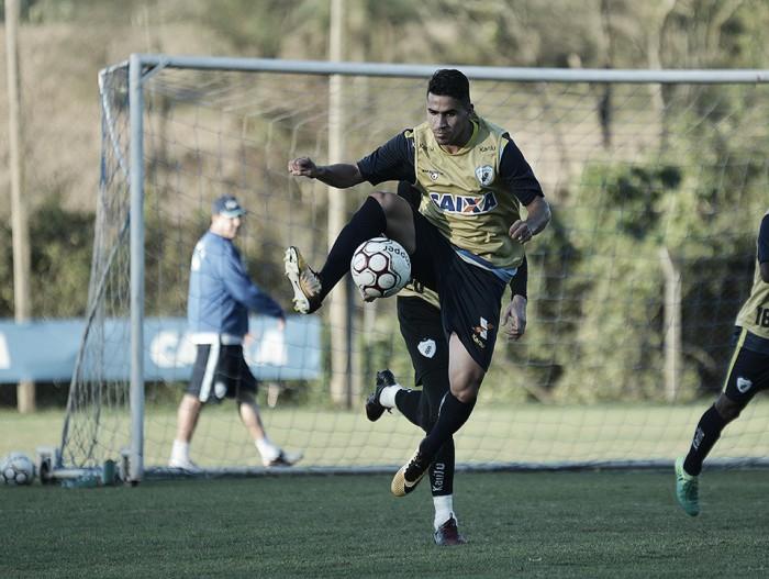 Mirando G-4, Londrina e Vila Nova fecham rodada da Série B no Estádio do Café
