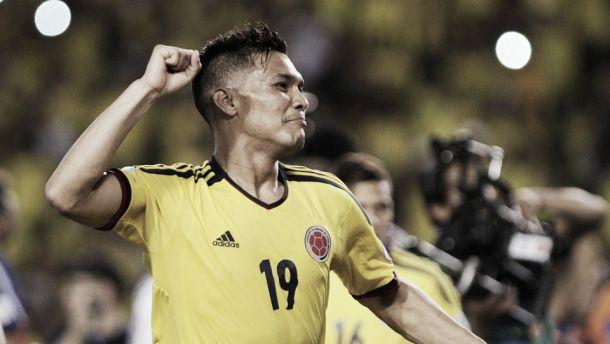 Após especulações, Corinthians volta a sonhar com Teo Gutierrez