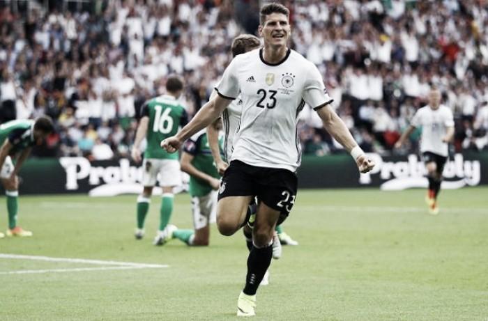 Euro 2016, Germania prima: contro l'Irlanda del Nord basta Gomez