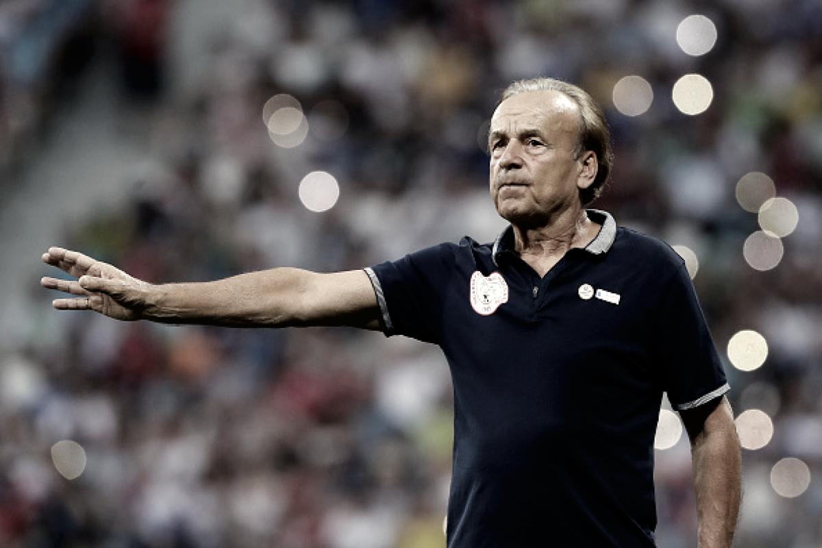 Técnico Gernot Rohr celebra evolução da Nigéria após vitória sobre Islândia