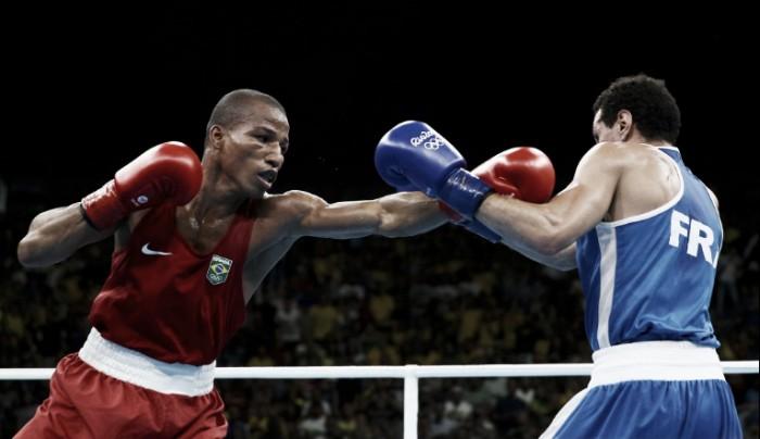 Róbson Conceição bate francês Oumiha e conquista o ouro na categoria peso ligeiro do boxe masculino