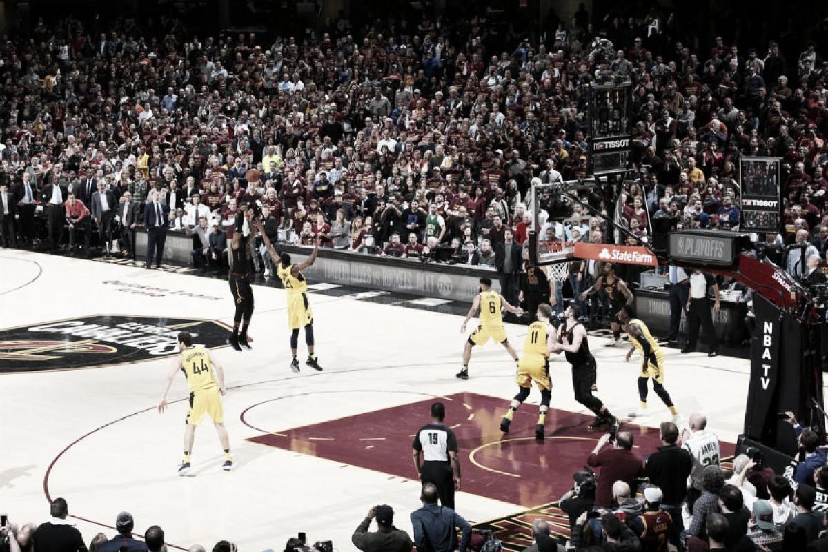 Momentazo de la NBA: LeBron James se viste nuevamente de héroe y destroza las ilusiones de Indiana