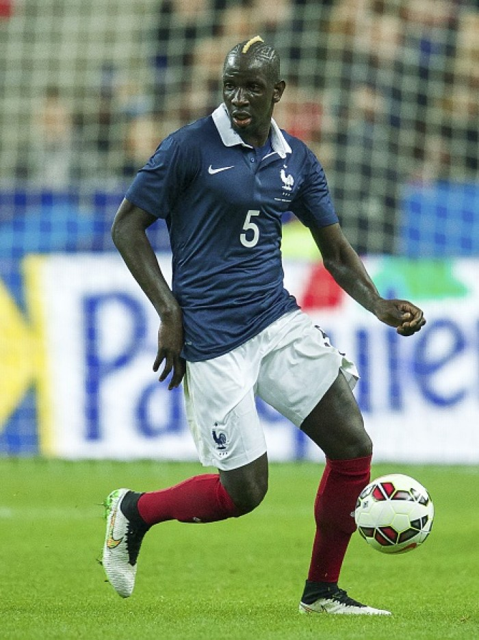 UEFA opta por não estender punição de Mamadou Sakho e zagueiro pode jogar Eurocopa