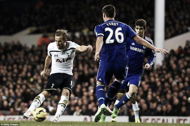 Tottenham goleia Chelsea na noite de Harry Kane