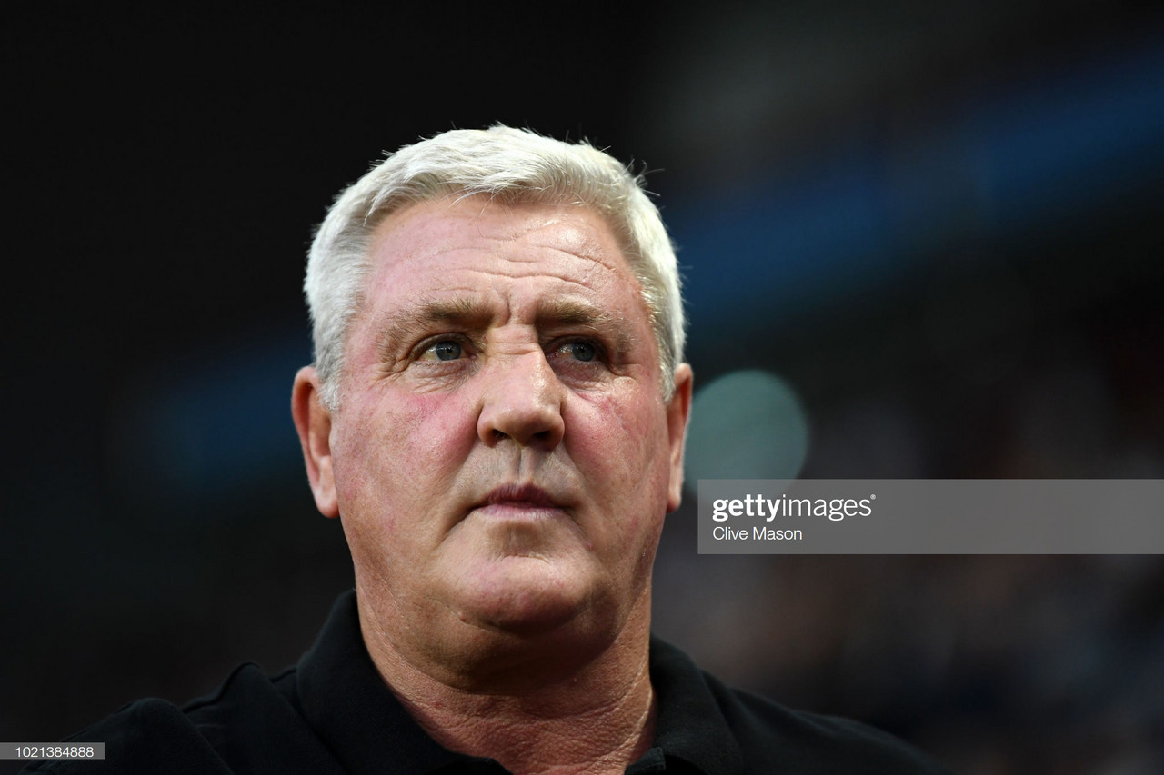 BIRMINGHAM, ENGLAND - AUGUST 22:  Steve Bruce, Manager of Aston Villa looks on prior to the Sky Bet Championship match between Aston Villa and Brentford at Villa Park on August 22, 2018 in Birmingham, England.  (Photo by Clive Mason/Getty Images)
