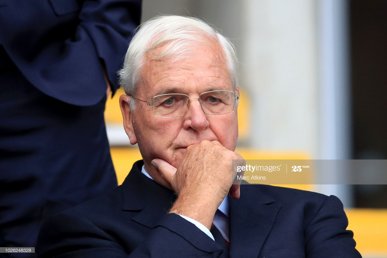 Sir Chips Keswick retires as Arsenal chairman