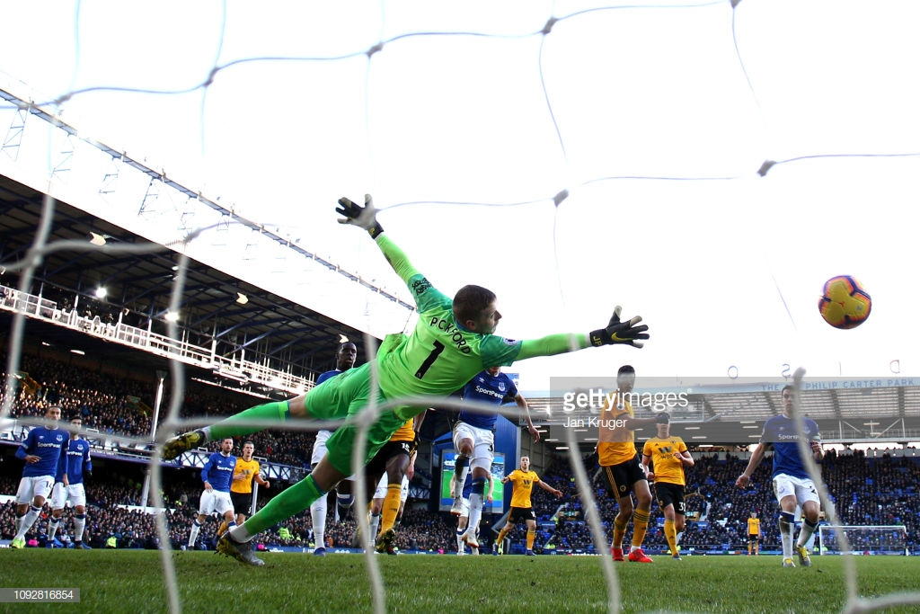 Everton 1-3 Wolverhampton Wanderers: Wolves continue their fine form by piling the pressure on Marco Silva