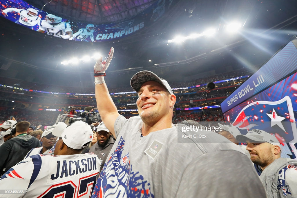 Rob Gronkowski announces retirement