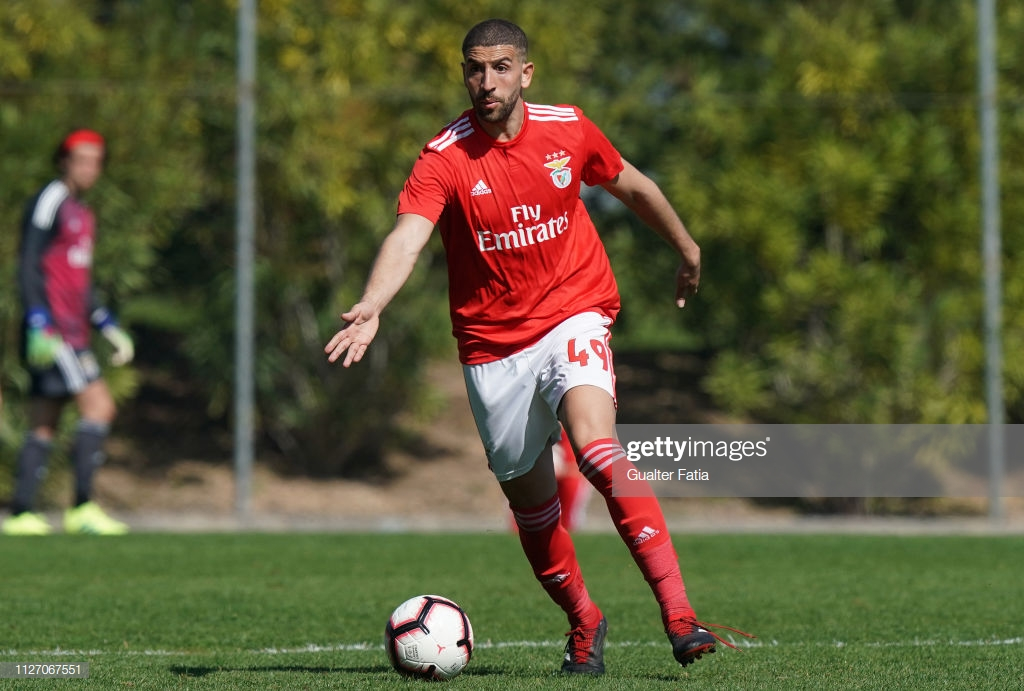AC Milan 0-1 Benfica: Taarabt's strike enough to earn victory