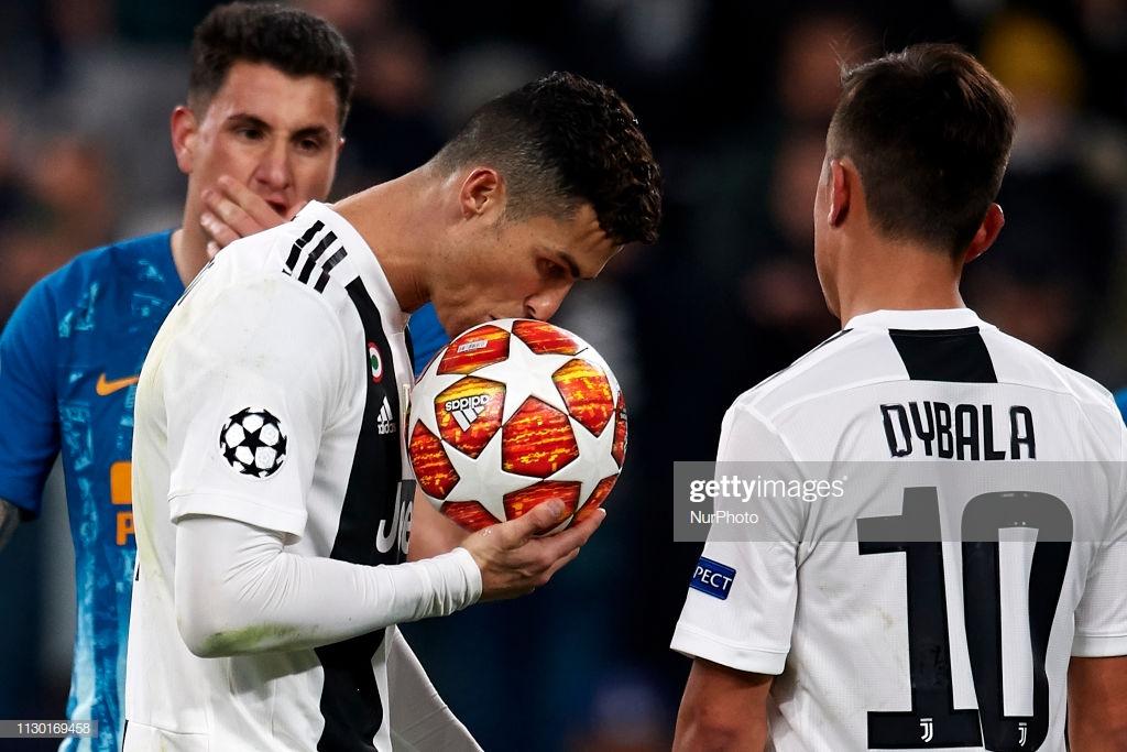 Ronaldo a triplicar