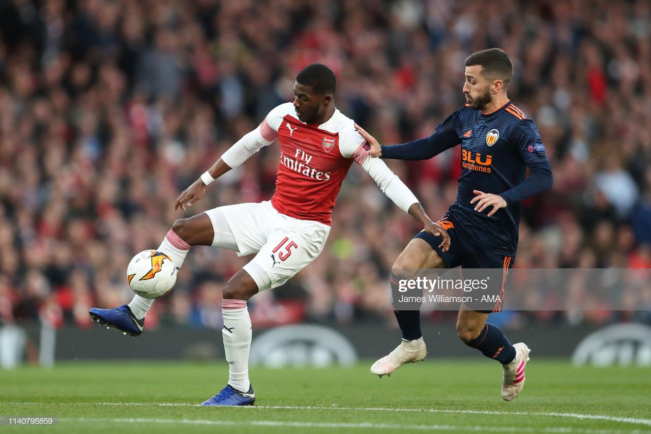 Arsenal mais perto da final