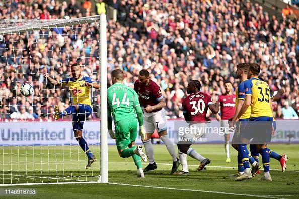 West Ham United 3-0 Southampton FC: Arnautović brace helps the Hammers stay in top half race