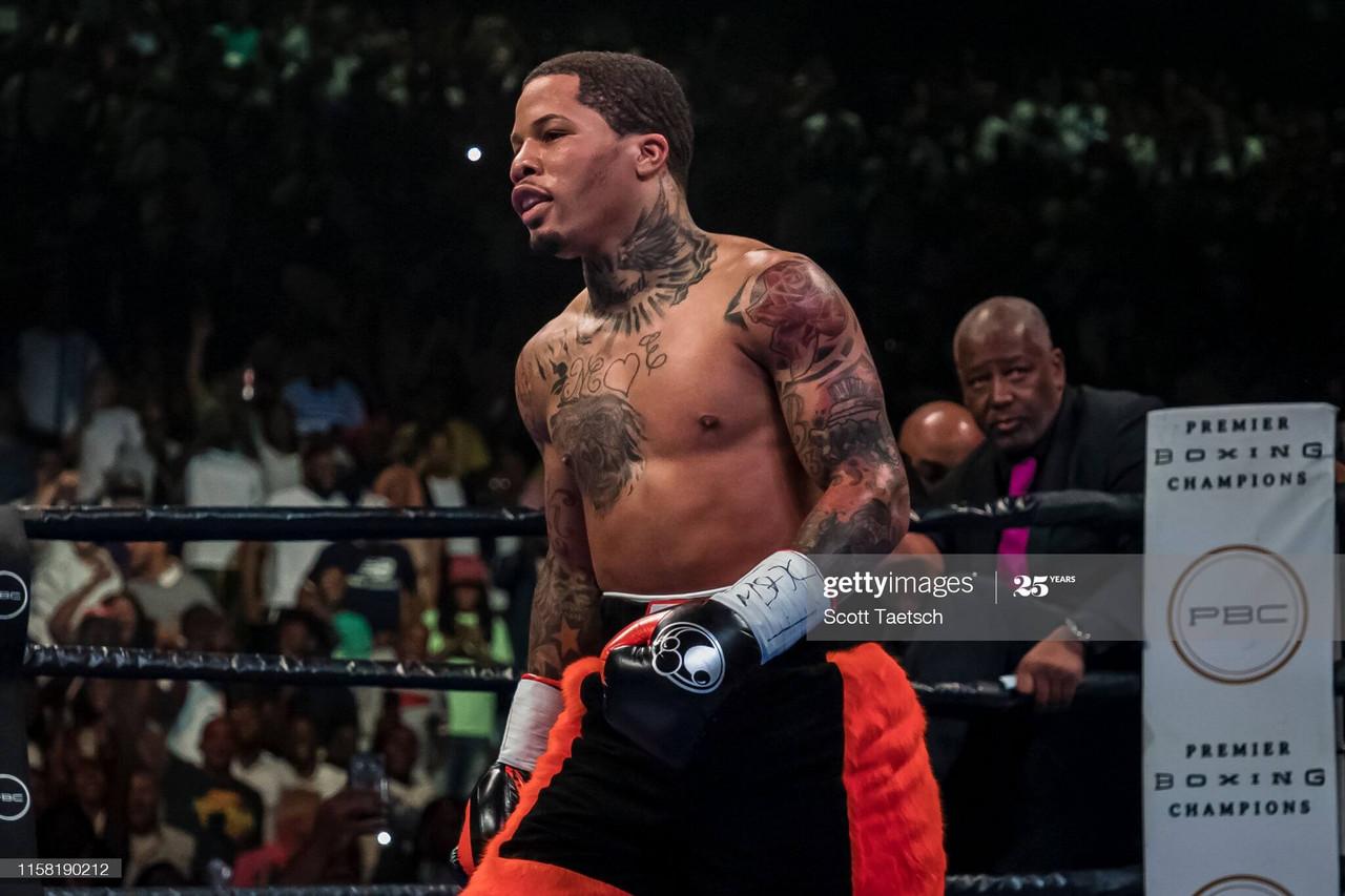 Gervonta Davis beats Leo Santa Cruz for WBA super-featherweight title