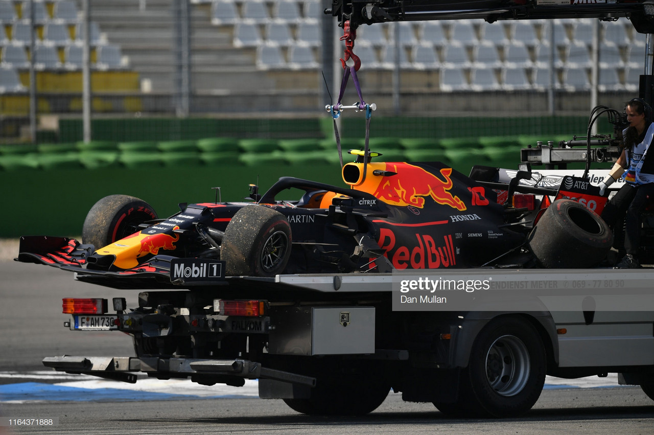 Gasly crashes out in FP2