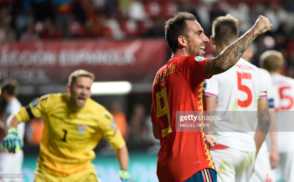 Spain leave opponents on their back but find themselves searching for a spine