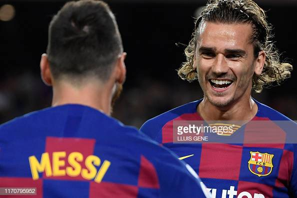 Barcelona 2-1 Villarreal: Barca hold on for vital three points