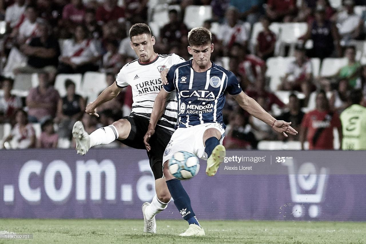 """FIJA EN ATAQUE. El """"Tanque"""" Badaloni, es el nueve del Tomba buscará su primer gol en la temporada. Foto: Getty images"""