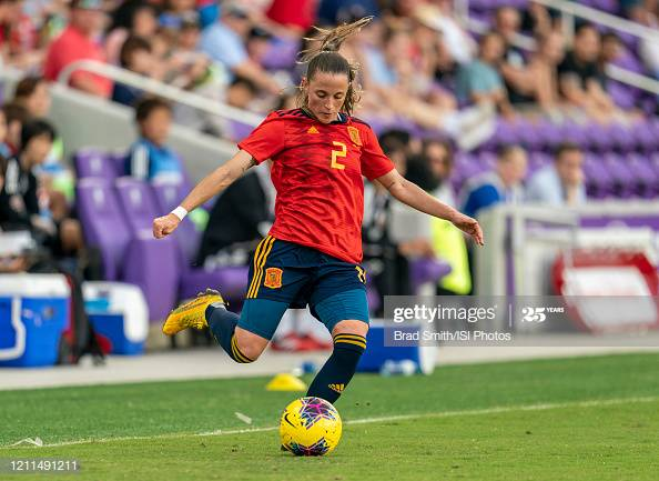Spanish defender Ona Batlle signs for Manchester United