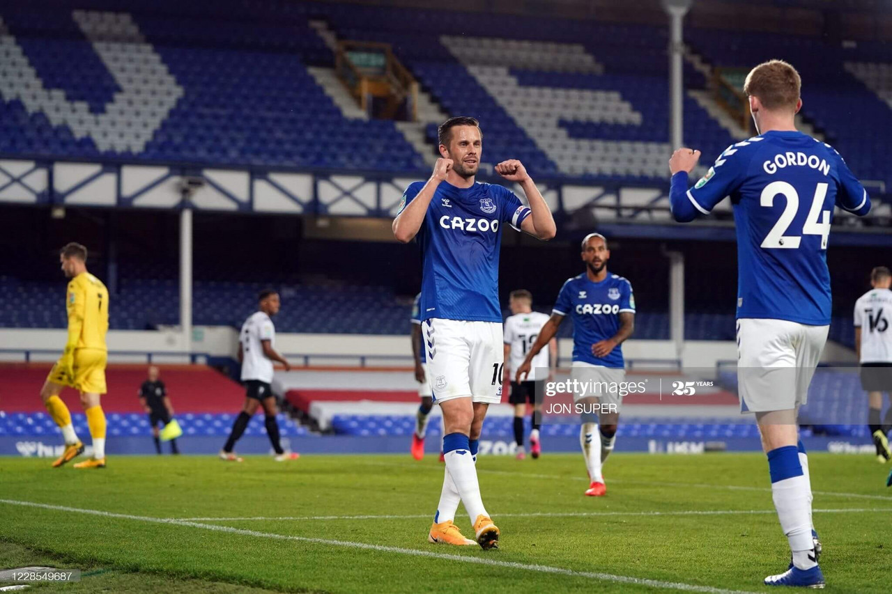 Everton 3-0 Salford City: Sirgurdsson shines as Everton progress into next round