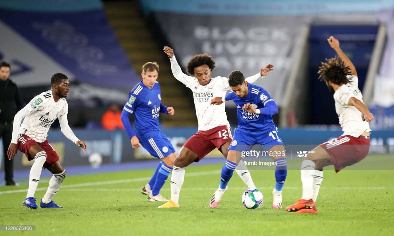 LEICESTER, ENGLAND - SEPTEMBER 23: Ayoze Perez of Leicester City in action with Willian of Arsenal during the Carabao Cup Third Round tie between Leicester City and Arsenal at The King Power Stadium on September 23, 2020 in Leicester, England. Football Stadiums around United Kingdom remain empty due to the Coronavirus Pandemic as Government social distancing laws prohibit fans inside venues resulting in fixtures being played behind closed doors. (Photo by Plumb Images/Leicester City FC via Getty Images)