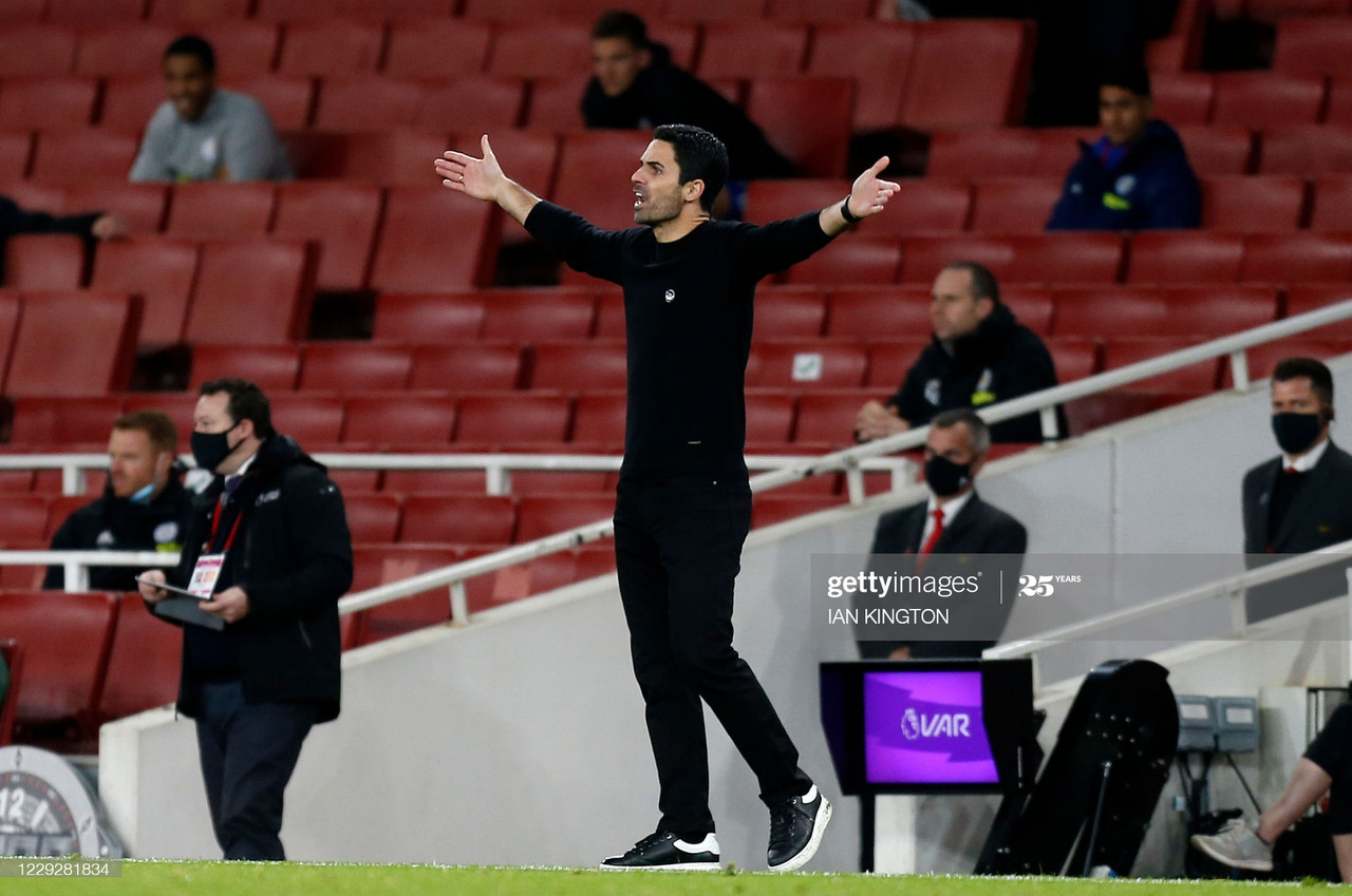 Arsenal's Spanish manager Mikel Arteta reacts during the English Premier League football match between Arsenal and Leicester City at the Emirates Stadium in London on October 25, 2020. - Leicester won the match 1-0. (Photo by Ian KINGTON / IKIMAGES / AFP)