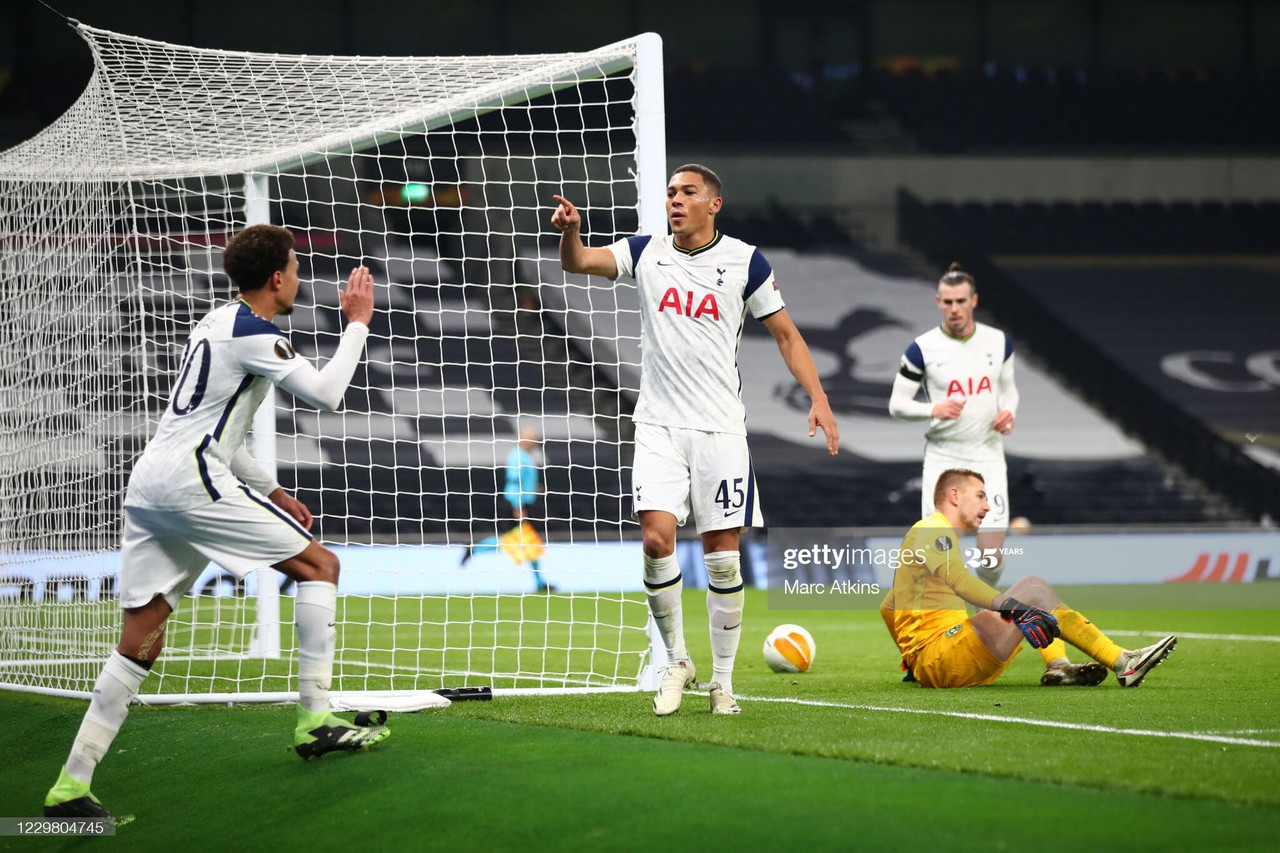 LONDON, ENGLAND - NOVEMBER 26: Carlos Vinicius of Tottenham Hotspur celebrates scoring his 2nd goal with Dele Alli during the UEFA Europa League Group J stage match between Tottenham Hotspur and PFC Ludogorets Razgrad at Tottenham Hotspur Stadium on November 26, 2020 in London, United Kingdom. Sporting stadiums around the UK remain under strict restrictions due to the Coronavirus Pandemic as Government social distancing laws prohibit fans inside venues resulting in games being played behind closed doors. (Photo by Marc Atkins/Getty Images)