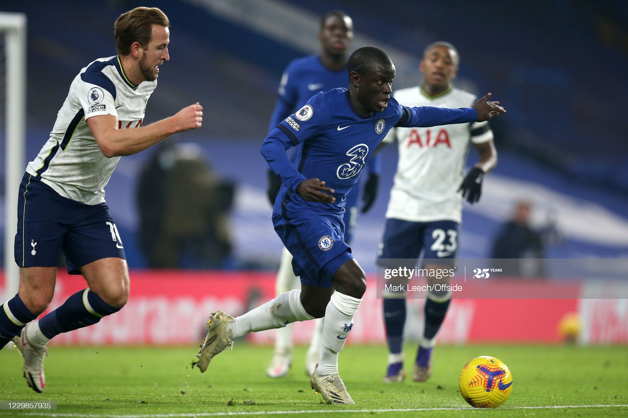 LONDON, ENGLAND - NOVEMBER 29: N'Golo Kante of Chelsea during the Premier League match between Chelsea and Tottenham Hotspur at Stamford Bridge on November 29, 2020 in London, United Kingdom. Sporting stadiums around the UK remain under strict restrictions due to the Coronavirus Pandemic as Government social distancing laws prohibit fans inside venues resulting in games being played behind closed doors. (Photo by Mark Leech/Offside/Offside via Getty Images)<br>