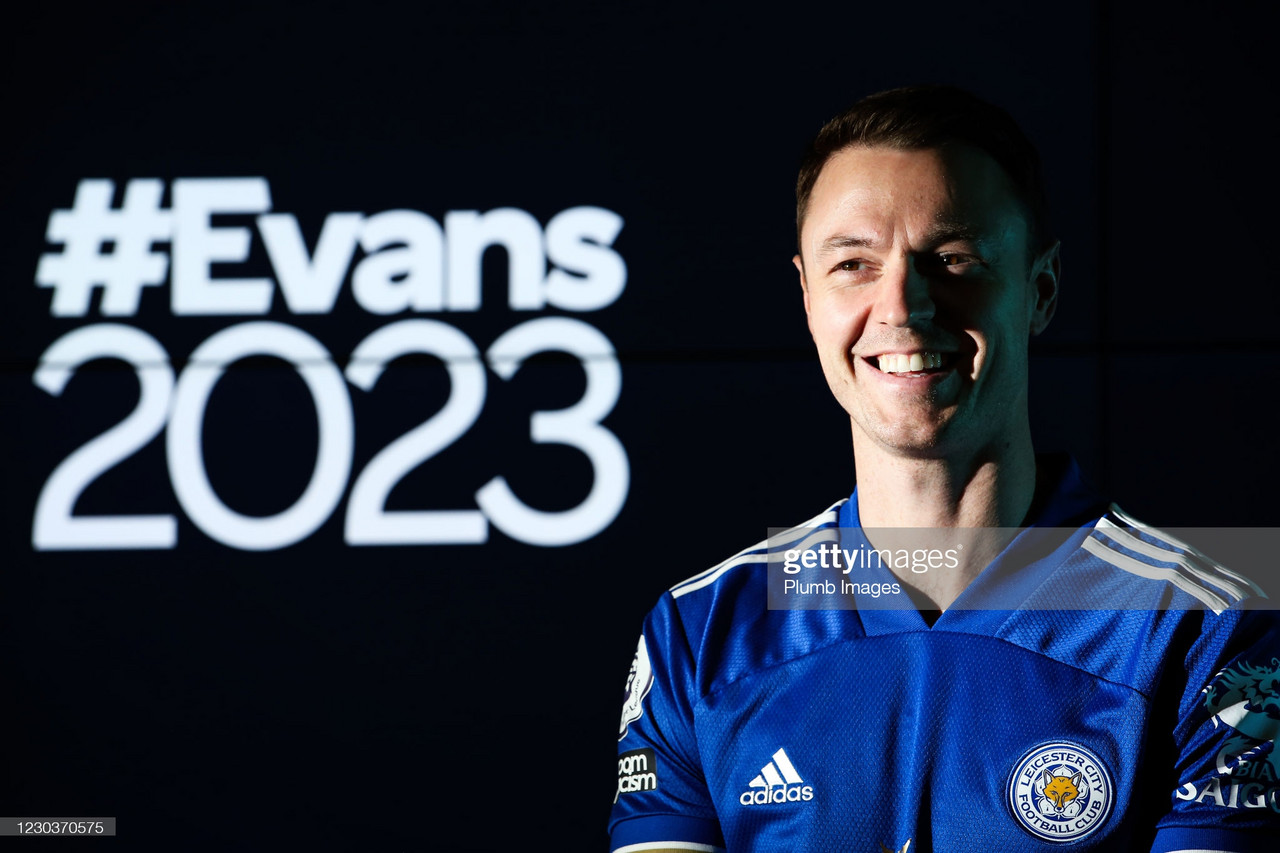 Jonny Evans signs new Leicester City contract until Summer 2023