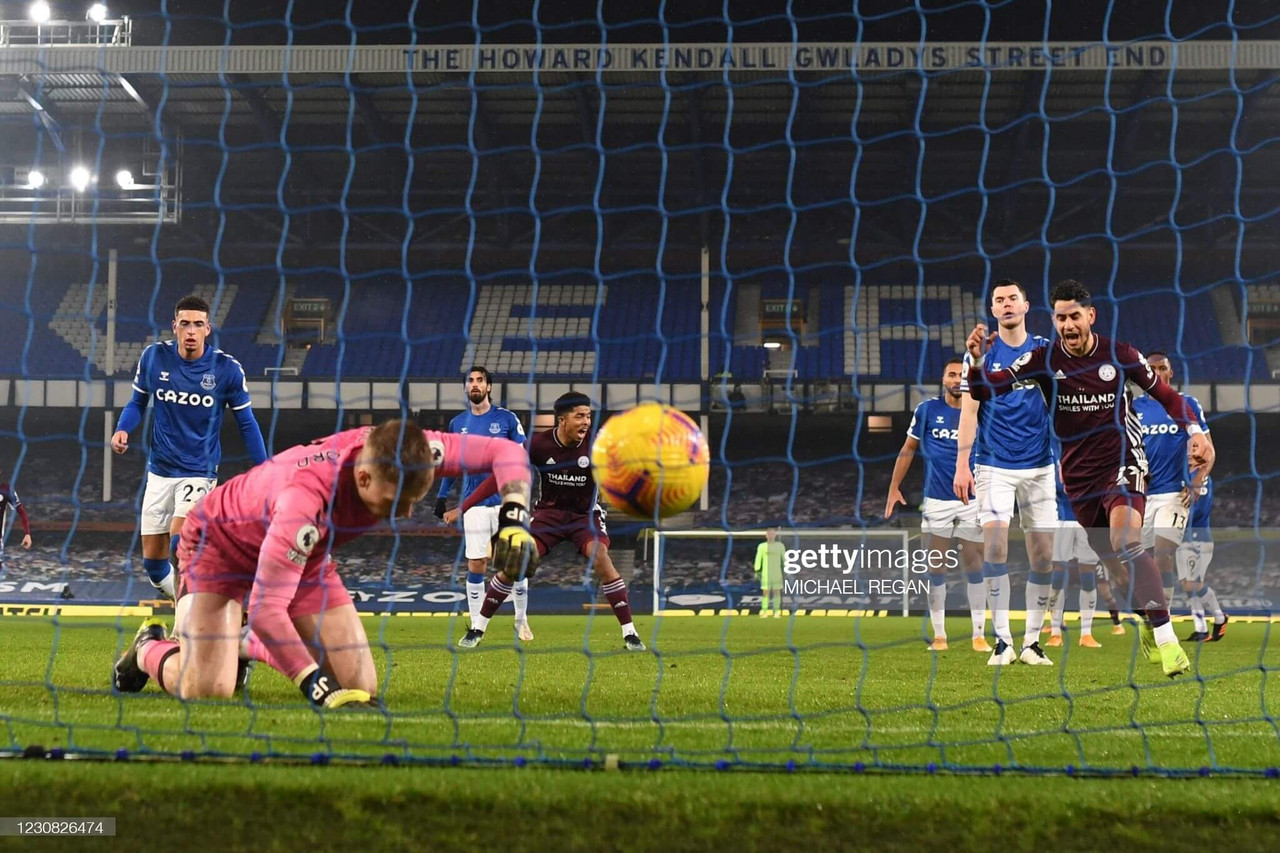 Everton 1-1 Leicester City: Pickford error helps Leicester claim deserved draw