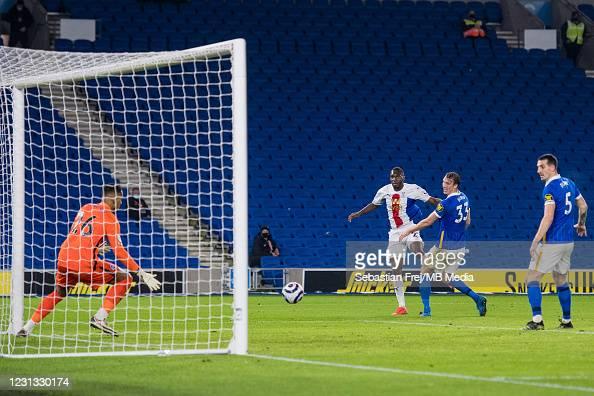 Brighton & HA 1-2 Crystal Palace: Benteke strike stuns Seagulls