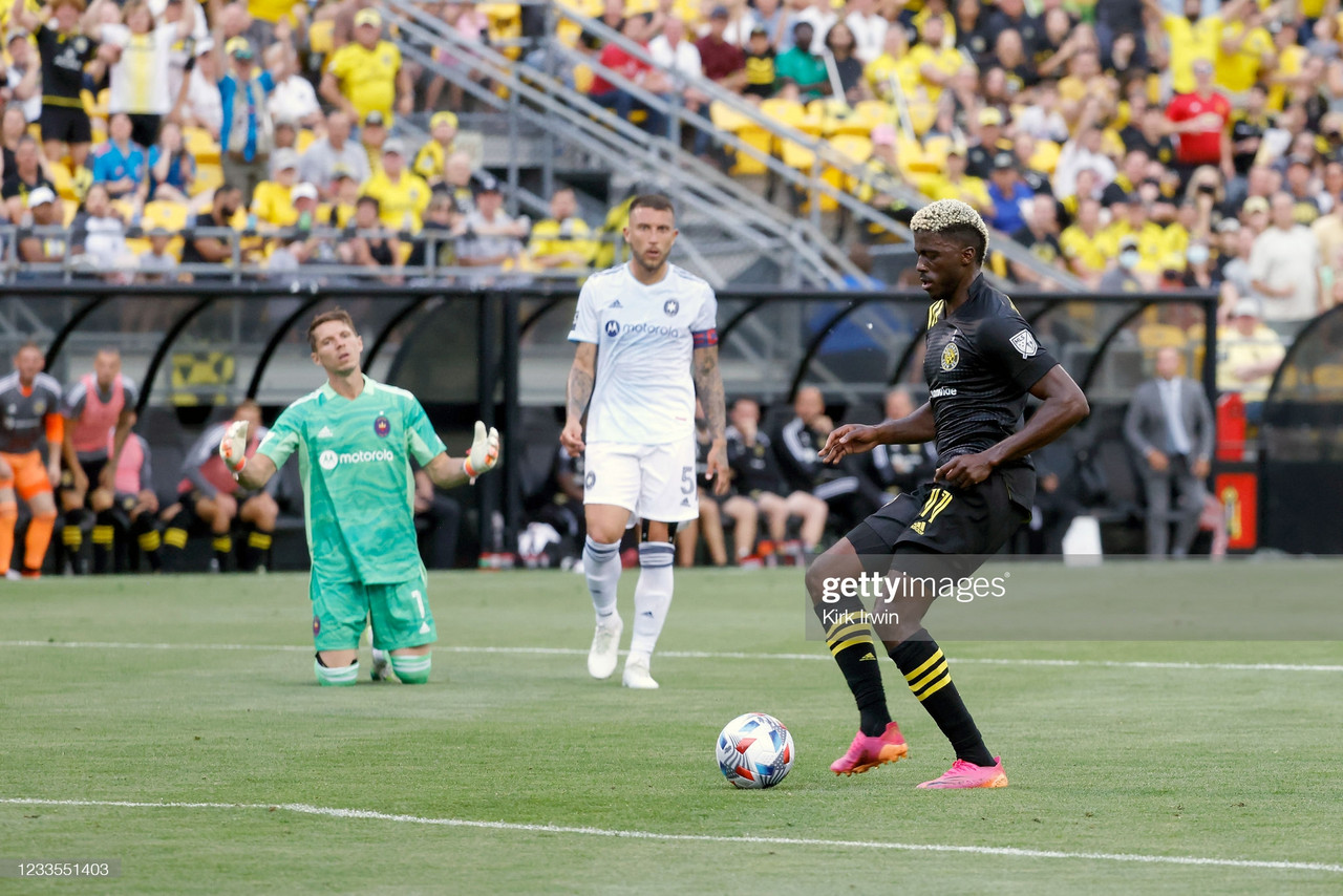 Columbus Crew 2-0 Chicago Fire: Gyasi Zardes leads Columbus to victory in the final game at the Historic Crew Stadium