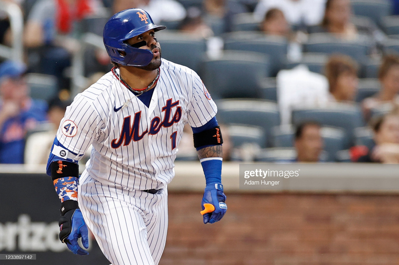 Villar goes deep from both sides of the plate as Mets crush Pirates